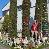 """<p class=""""caption"""">Nicht nur zu Weihnachten, auch zu Ostern geht es vor dem Kettnerschen Domizil in Dornbirn bunt zu.</p>"""