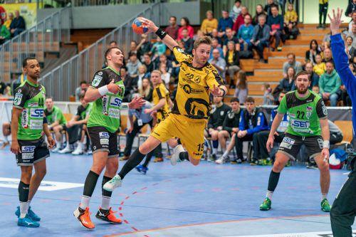 Nico Schnabl gehörte nicht nur wegen seiner drei Tore zu den auffälligsten Bregenzer Akteuren bei der 26:29-Heimniederlage gegen West Wien. VN/Stiplovsek