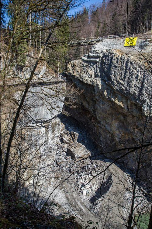 Eine weitere Felssprengung ist in der Rappenlochschlucht nötig, ehe eine neue Brücke geplant werden kann. VN/Steurer