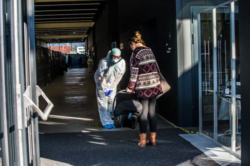 Schon am Tag der Eröffnung wurde die neu eingerichtete Infektionsordination rege in Anspruch genommen.