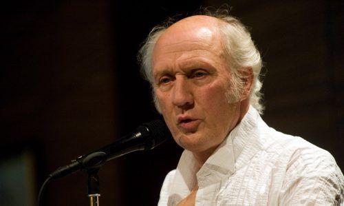 Seit über 50 Jahren begeistert van Veen seine Fans. Er hat über 170 CDs und mehr als 70 Bücher veröffentlicht.(c) Jesse Willems