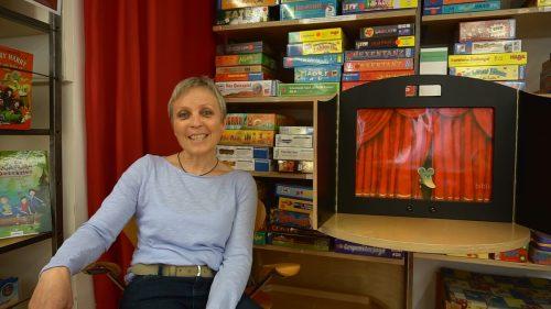 So lange Kindergärten und Schulen geschlossen bleiben müssen, stellt Bibliotheksleiterin Margit Brunner Gohm jeden zweiten Tag eine neue Lesung online.