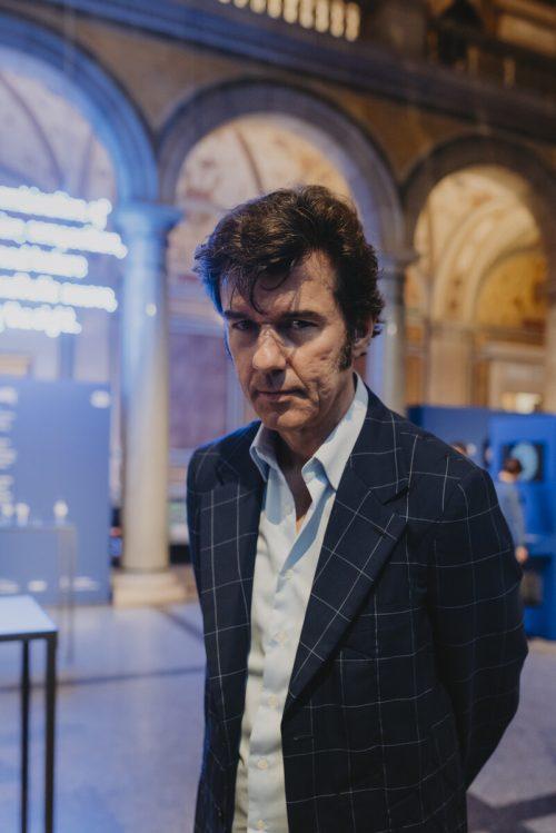 Stefan Sagmeister lebt und arbeitet in New York.