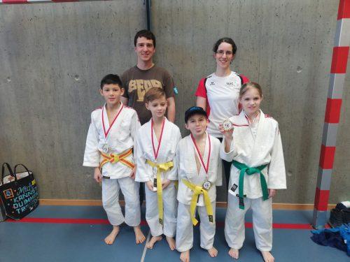 Unsere Sieger und ihre Trainer.union judoclub hohenems