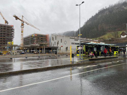 Vom Coronavirus ist am Bahnhof Feldkirch wenig zu spüren.