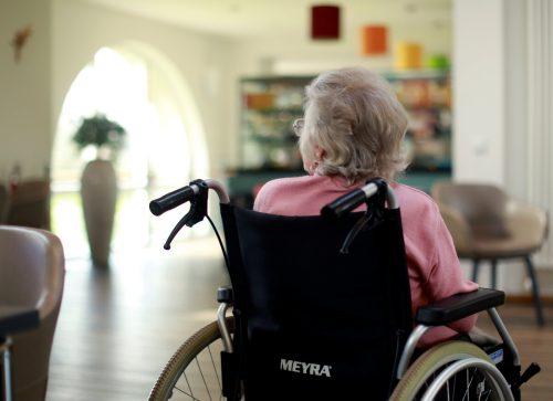 Vor allem ältere Menschen sind durch das Coronavirus gefährdet.