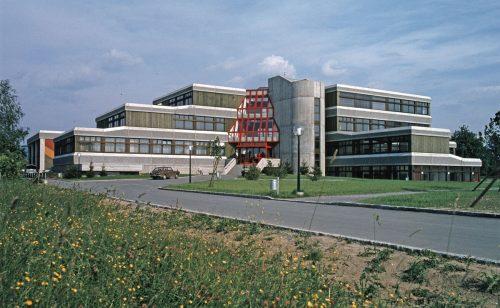 Vor über 40 Jahren wurde die Schule eröffnet. H.Klapper, Landesbibliothek