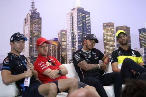 Warten auf den Formel-1-Auftakt: Nicholas Latifi, Sebastian Vettel, Lewis Hamilton und Daniel Ricciardo. ap