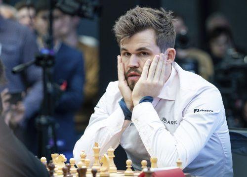 Weltmeister Magnus Carlsen muss sich noch gedulden, ehe der Gegner feststeht.afp