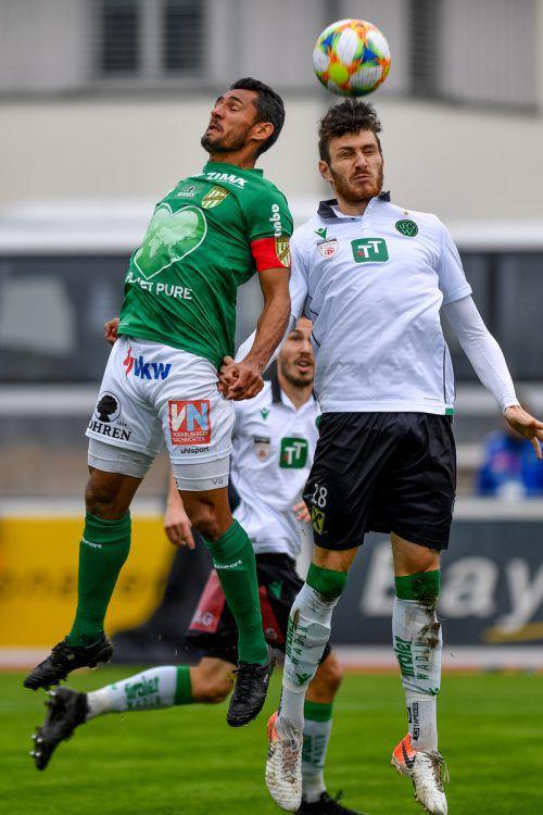 Werden sich heute duellieren: Austrias Ronivaldo (l.) und Stefan Meusburger.gepa
