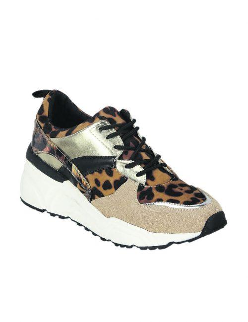Wild             Leopardenmuster und Glanzdetails machen diesen OMG!-Sneaker von Humanic aus, gesehen um 39,95 €.