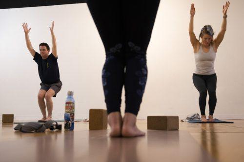Yoga habe Vorteile für das mentale und physische Wohlbefinden. AP