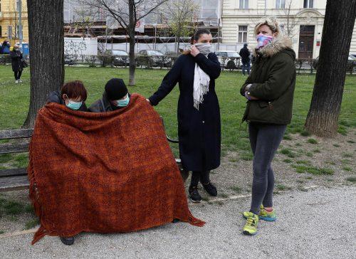 Zagrebs Bewohner flüchteten vor den Nachbeben in öffentliche Parks. AP