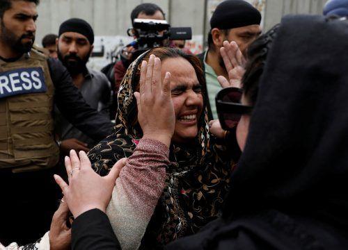 Zum Zeitpunkt des Angriffs seien etwa 150 Menschen in dem Gebäude gewesen. Reuters