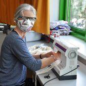 Werklehrerinnen im Maskeneinsatz