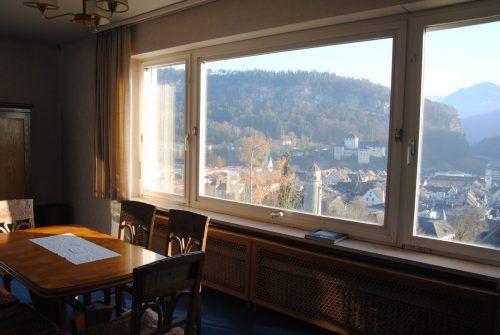Das Bild zeigt den Blick aus dem Fenster der Villa Müller in Feldkirch, der viele inspiriert hat. Benzer