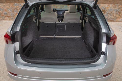 Der Kofferraum des Kombis stellt bis zu 1700 Liter Ladevolumen bereit.werk