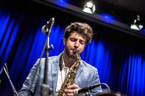Der Musiker Cenk Dogan nutzt die Zeit, um möglichst viele Ideen zu generieren und umzusetzen. Tobias Neugebauer