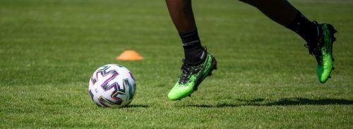 Der Ball soll endlich rollen in Österreich: Nächste Woche will man zu einer endgültigen Entscheidung kommen. gepa