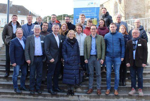 Die Vertreter der teilnehmenden Gemeinden beim ersten Erfahrungsaustauschtreffen in Perchtoldsdorf. Ein Treffen ist auch in Rankweil geplant. Klimabündnis