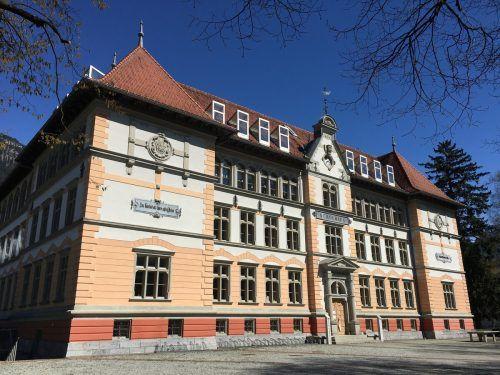 Das historische Bestandsgebäude aus dem Jahr 1886 bleibt im Zuge der Schulerweiterung weitestgehend unberührt.VN/JS