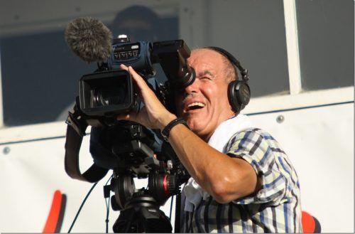 Egal, ob Fußball oder Tanzball: Martin Engel ist mit seiner Kamera bei Verstaltungen aller Art immer mit dabei. Knobel