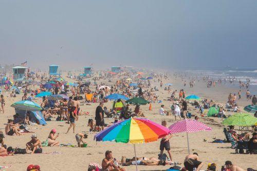 Huntington Beach wurde am Wochenende von Besuchern überrannt. AFP
