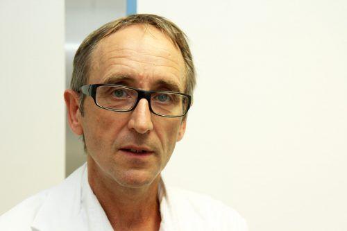 Im LKH Feldkirch kümmert sich Primar Burkhard Simma um junge Patienten.vn