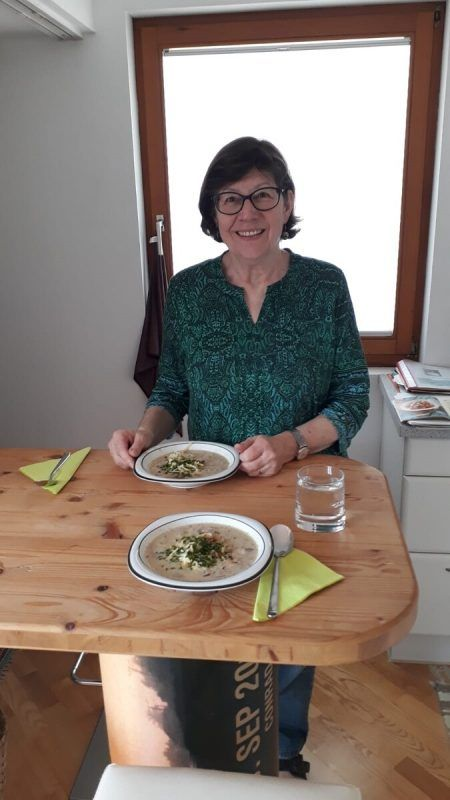 Ingrid Benedikt hat in diesen Tagen viel Zeit, sich mit Lebensmitteln zu befassen. Der Offene Kühlschrank jedoch muss derzeit ruhen. cth