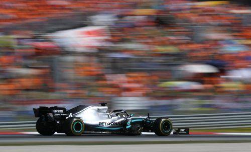 Lewis Hamilton und Co. könnten schon bald wieder ihre Runden drehen.GEPA
