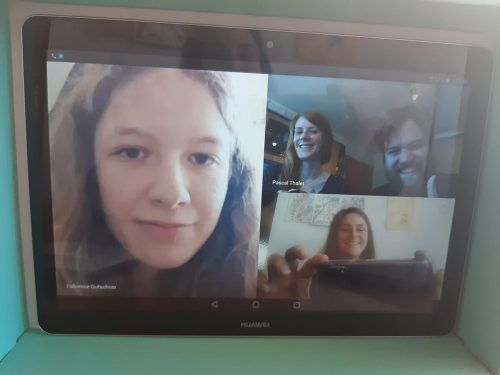 Mit Hilfe des Internets bleiben die Mitarbeiter der Offenen Jugendarbeit Feldkirch mit den Jugendlichen, aber auch untereinander in Kontakt. OJA Feldkirch