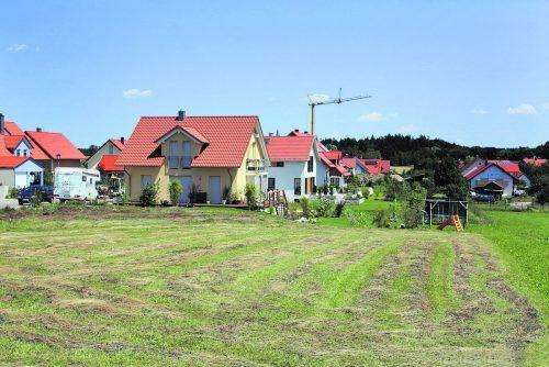 Ohne Grundkauf Wird ein Eigenheim im Baurecht erstellt, so ist kein Grundkauf erforderlich und der Grundbesitz bleibt in der Familie des Eigentümers.