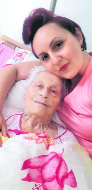 Pflegerin Silvana Orlica mit Melania (96), ihrem hochbetagten Schützling.