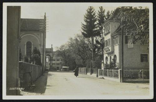Rechts das Café Wien auf einem Foto, das vor 1939 entstand.