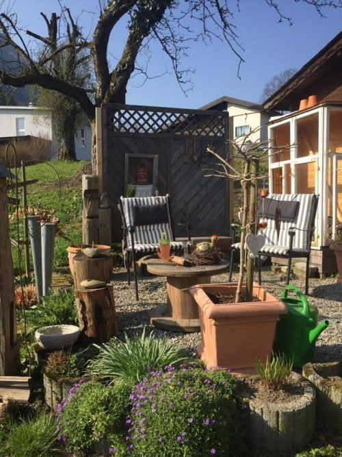 Schon Hermann Hesse erkannte die Gartenarbeit als Quelle der Meditation. he