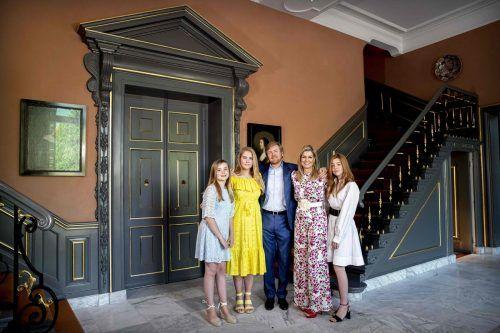 Willem-Alexander, seine Frau Maxima und die Töchter Amalia, Alexia und Ariane zelebrierten den nationalen Feiertag zu Hause. AFP