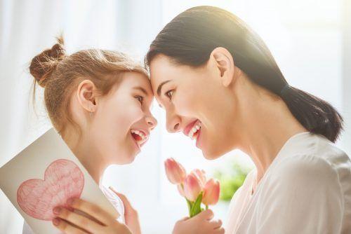 Am Sonntag feiern wir Muttertag. Nach den anstrengenden letzten Wochen haben sich die Mütter diesmal besondere Aufmerksamkeit verdient. shutterstock