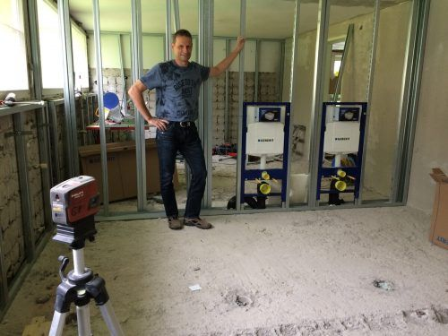 Baustellenbesichtigung mit Karlheinz Summer im Kindergarten Don Bosco.