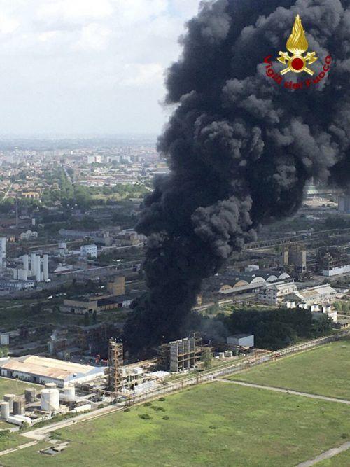 Bei der Explosion wurden zwei Menschen verletzt. AP