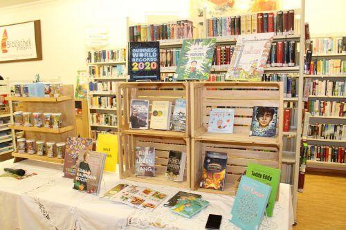Das Angebot der Frastanzer Bibliothek richtet sich an alle Altersgruppen. So findet vom kleinsten Toni-Hörer bis zum gebildeten Sachbuchleser jeder seine Literatur.
