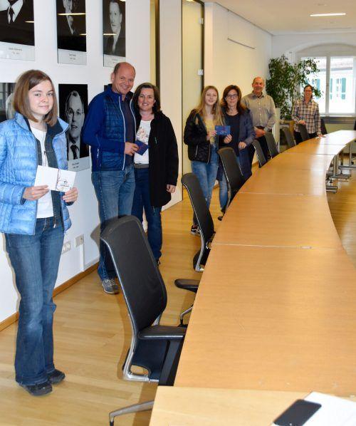 Die Gewinner Nadine Mayr, Thomas und Iris Krug sowie Esther Innerkofler mit GR Alejandro Schwaszta und Bgm. Katharina Wöß-Krall. Marktgemeinde