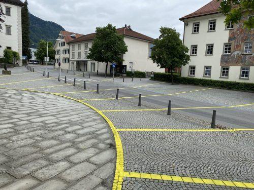 Die Homunculus-Sonne in Hohenems erinnert auch an die Geschichte des Platzes.gunz