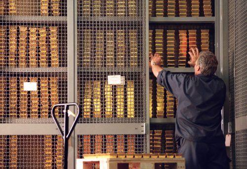 Die Schweizer Nationalbank hat ihren prall gefüllten Tresor geöffnet, um den Unternehmen schnelle Hilfe zu garantieren.Keystone