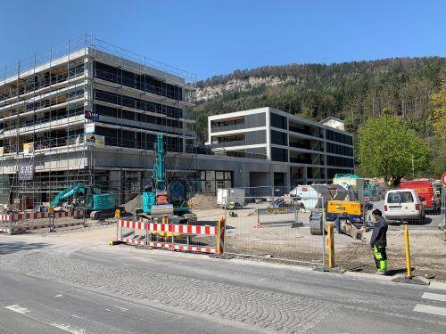 Die Wohn- und Geschäftsgebäude werden bald bezogen. An verkehrsberuhigenden Maßnahmen wird gerade gearbeitet. AME