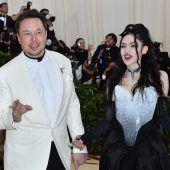 X Æ A-12 Musk? – Sängerin Grimes erklärt Babynamen
