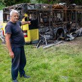 Busse in Flammen: Lauter Knall reißt Bregenzer Camper aus dem Schlaf. B1