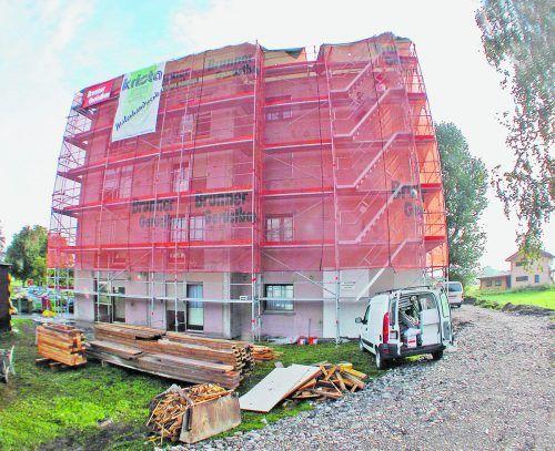 HaussanierungSteht eine umfassende Haussanierung an, müssen die Wohnungseigentümer natürlich umfassend informiert werden.Foto: A. Kopf