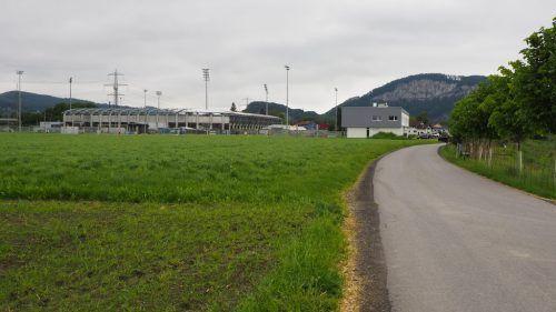 In Richtung Stadion werden LED-Leuchten mit Bewegungsmelder errichtet. CEG