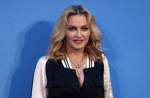Madonna hat sich während einer Konzerttour mit dem Coronavirus infiziert. RTS
