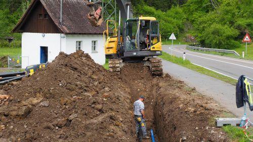 Mehr als 1150 Laufmeter an Wasserleitungen werden in Tufers derzeit verlegt. Ende Juli soll das Projekt vorraussichtlich abgeschlossen sein. Egle